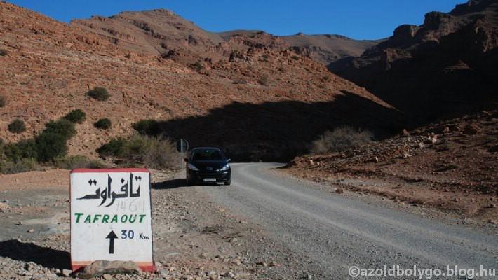Afrika_Marokkó_színes kövek7_1.jpg