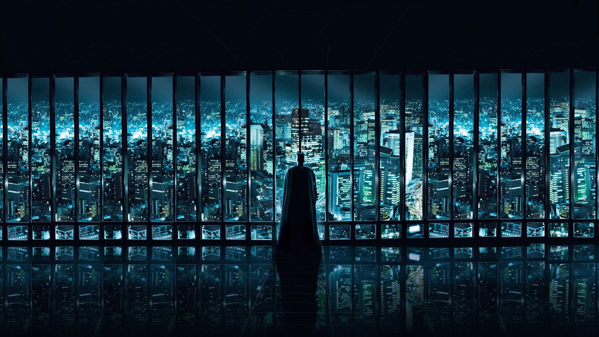 batman-watching-over-gotham-city-movie-wallpaper-3633.jpg