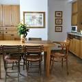 Egy öreg ház új élete saját készítésű bútorokkal