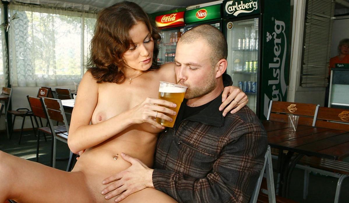 naked-girl-wants-to-drink-bear-at-bar-17.jpg