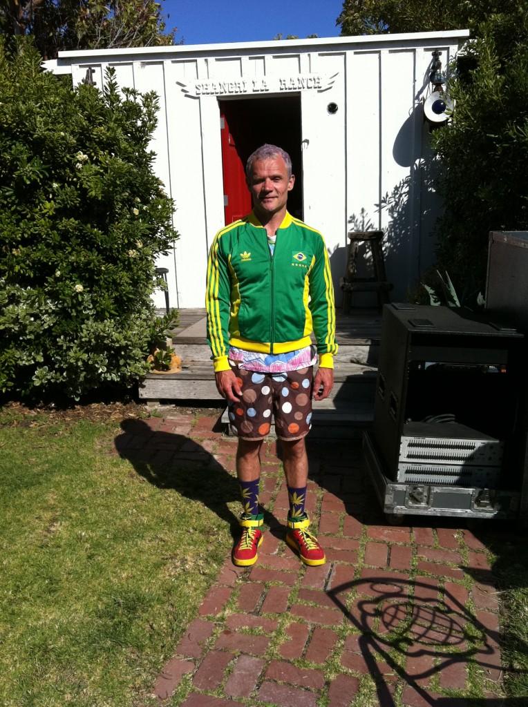 Flea ruhakölteménye
