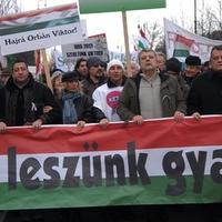 Jöhet a Békemenet a migráncsok ellen