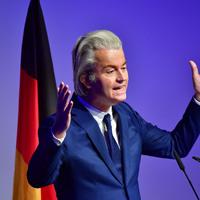 A hollandok feltartóztatták a jobboldali populisták feltartóztathatatlannak látszó nyomulását a Nyugaton
