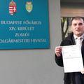Beintett a pártvezetésnek, nem hajlandó visszalépni a zuglói LMP-s, akinek a Fidesz gyűjtötte az aláírásokat