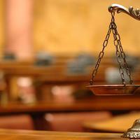 A kormány épp most kebelezi be a bíróságokat is