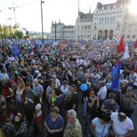 Az ország hálás lehet Orbán Viktornak: megtanította a magyarokat a demokrácia tiszteletére