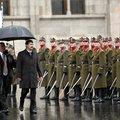 Felvonták Magyarország nemzeti lobogóját az 1956-os forradalom és szabadságharc kitörésének 61. évfordulóján