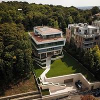 Kétmilliárd forintos, négyszintes gellérthegyi luxusvillában lakik a NER egyik kisebb oligarchája