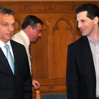 Az LMP pont ott folytatja, ahol kezdte: a Fidesz oldalán