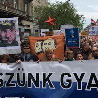 Kizárással fenyegette meg az Európai Néppárt a Fideszt - a pápa szerint öngyilkossággal ér fel, hogy az elöregedő Európa nem engedi be a menekülteket