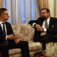 Szívatják Trumpék Orbánt és Szijjártót