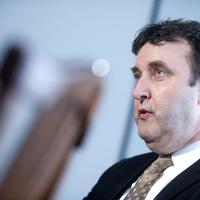 Palkovics kontra MTA: 5 tény, ami miatt az egész az egész történet kamu