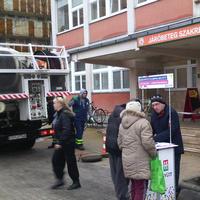 Szarszagú rendőrország: jó reklámot csinálnak a népszavazásnak
