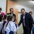 Orbán már az óvodásokat használja fel a kampányához – az óvónénik nem tudták, hogy reagáljanak