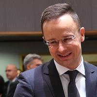 Szíjjártó Péter levelét megírta - és sikerült megnevettetnie az osztrák sajtót