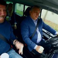 Orbán és Chuck Norris románcán röhög a világ