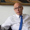 Polt megrángatta Péterfalvi pórázát: így falaznak a hatóságok Elios-ügyben Orbánéknak