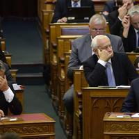 Annyira vállalhatatlanok Orbán mondatai, hogy Lázár le is tagadta azokat