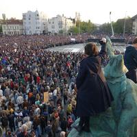 Semmi jele, hogy a Fidesz észhez tért volna – egyenesen menetelünk az oroszok karmaiba
