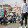 A bíróság elítélte a Kétfarkú Kutyapárt járdafestőit