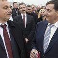 Orbán megsarcolja az ellenfeleit, de a klientúrának nem kell áldozatot hozni