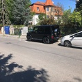 Tiborcz 50 milliós Mercedesét nem nagyon érdekelte, elfér-e mellette még valaki a járdán