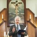 A miséket és istentiszteleteket továbbra sem tiltja be a kormány