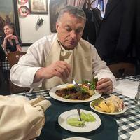Orbánnak állandóan az evésen jár az esze