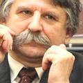 Kövér László beismerte a választási csalást, a pártja szerint nincs itt semmi látnivaló