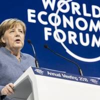 Merkel főleg Trumpnak üzent Davosban, de Orbán is érthet belőle, ha akar