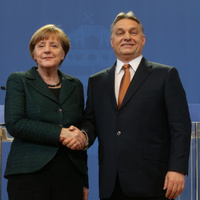Merkel Orbán cinkosa