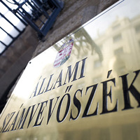 Nemzetközi botrányt szimatoltak: Varga Mihály meghúzta a vészféket az ÁSZ dilivonatán