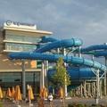 Egy szemtanú azt állítja, hagyták meghalni az idős férfit az Aquaworldben