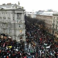 A világsajtó nagyon odafigyelt a tegnapi tömegtüntetésre, érzi, hogy valami érlelődik