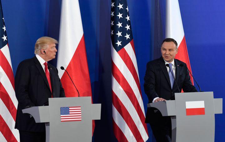 Trump adta a lovat a kelet-európai autokraták alá Varsóban - B1 BLOGCSALÁD 822b60d667