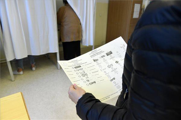szavazas_2018.jpg