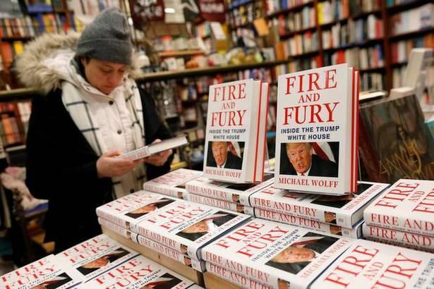 trump_konyv_fire_and_fury.jpg