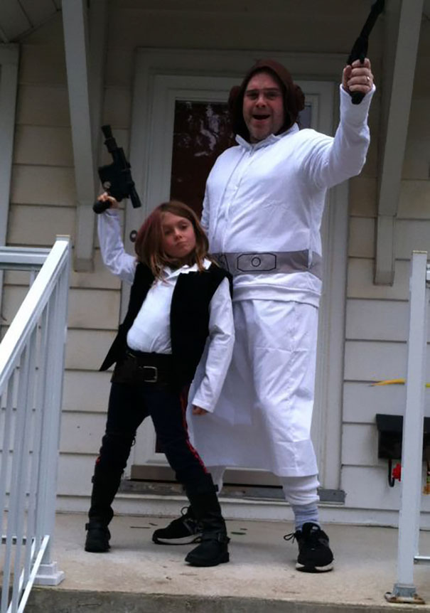 father-daughter-halloween-costumes-ideas-16-5805dd71b64cd_605.jpg