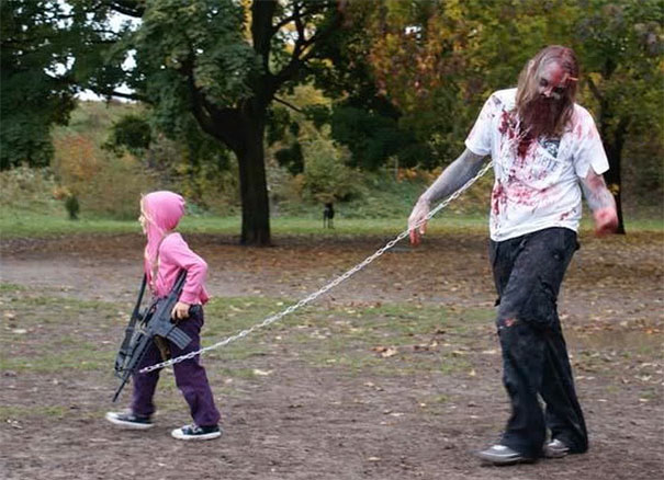 father-daughter-halloween-costumes-ideas-20-5805dd77b9b65_605.jpg