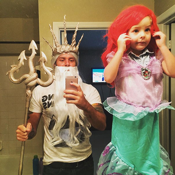 father-daughter-halloween-costumes-ideas-8-5805dd5ed8f6d_605.jpg