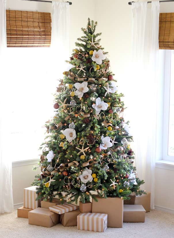 floral-christmas-tree-decorating-ideas-29_605.jpg