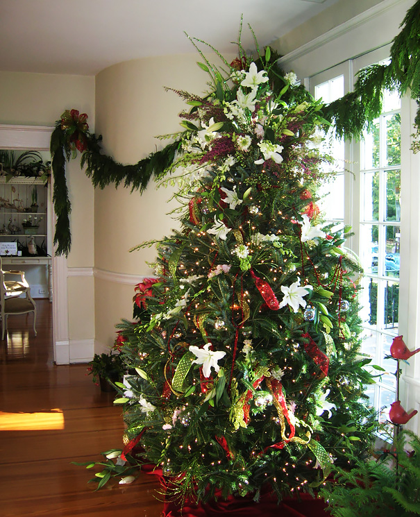 floral-christmas-tree-decorating-ideas-32_605.jpg