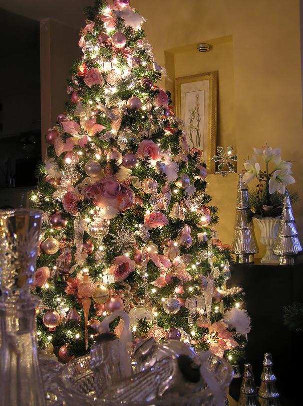 floral-christmas-tree-decorating-ideas-33_605.jpg