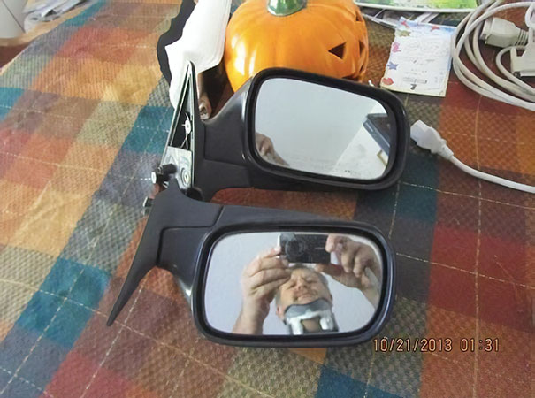 funny-people-sell-mirrors-reflections-68-5ab4d38984698_605.jpg