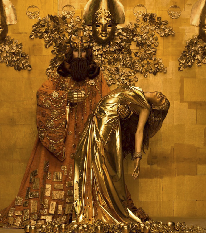 gustav-klimt-famous-paintings-real-life-models-photographer-inge-prader-10-59b0f47257e1d_700.jpg