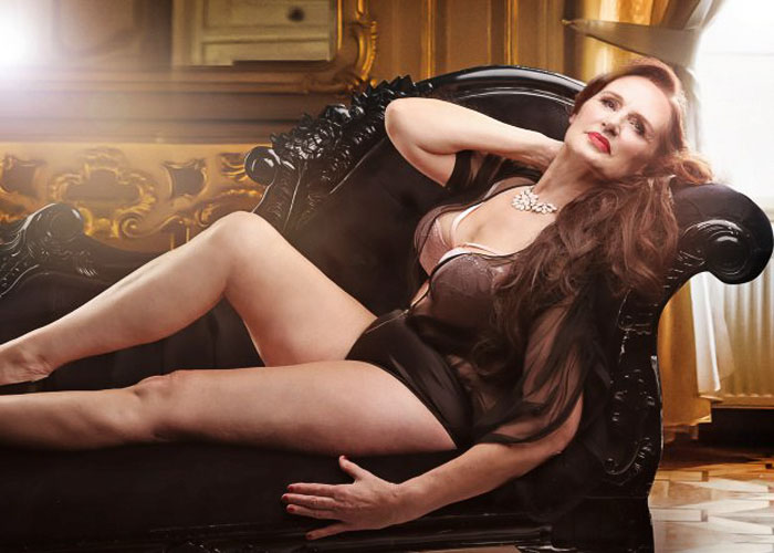 old-women-transformation-pin-up-models-dollhouse-photography-8-5b0be7658cdf0_700.jpg