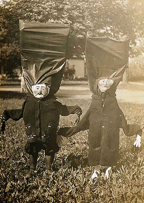 scary-vintage-halloween-creepy-costumes-11-57f6494881cbd_605.jpg