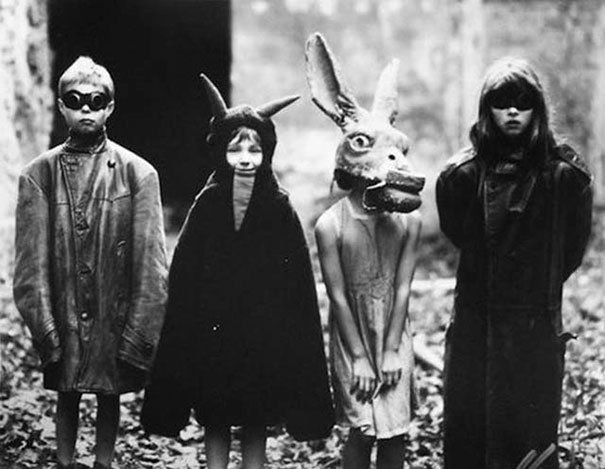 scary-vintage-halloween-creepy-costumes-13-57f6494cb1b8b_605.jpg