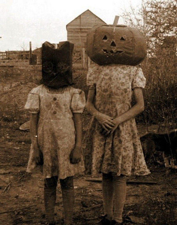 scary-vintage-halloween-creepy-costumes-4-57f6493a30d96_605.jpg