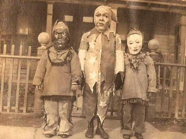 scary-vintage-halloween-creepy-costumes-6-57f6493e76f50_605.jpg